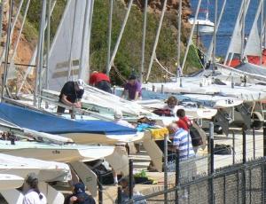 Rigging FFs at Daveys Bay